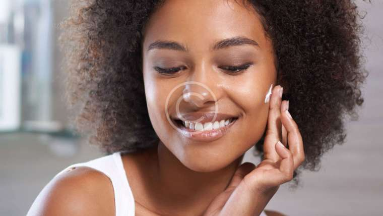 6 Steps to Washing Your Face the Right Way